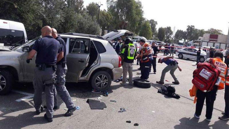شاب فلسطيني يجرح ثلاثة صهاينة بعملية دهس في عكا
