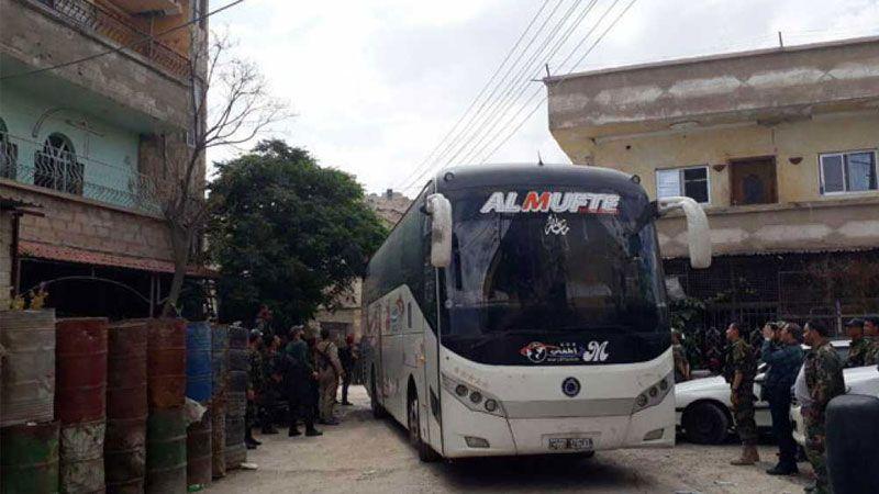 خروج 3 آلاف من مسلحي 'جيش الإسلام' وعائلاتهم من دوما
