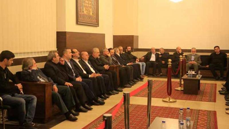 مجمع المجتبى' يعج بالمعزين بأم الشهداء