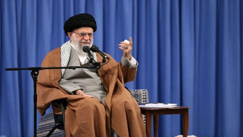 الإمام الخامنئي