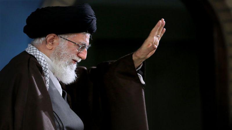 الإمام الخامنئي يوافق على العفو