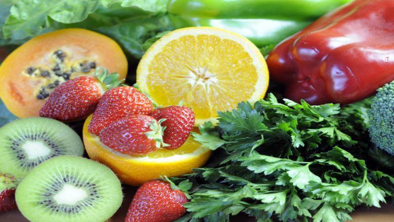 أطعمة صحية لبشرتك تنافس مستحضرات التجميل