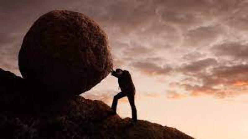 الإنسان ينمو في أحضان المشكلات